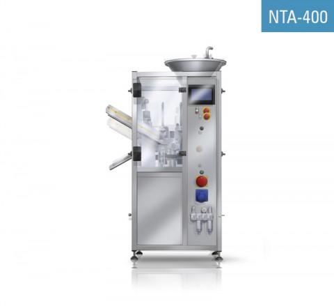 Masina automata de incarcat si inchis tuburi din aluminiu NTA-400 este utilizată pentru umplerea tuburilor din aluminiu cu geluri, creme sau alte fluide, închiderea acestora și imprimarea datei și/sau a numărului lotului.